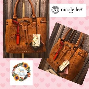 NWT Beautiful Bag With Intricate Cut-Out Detail